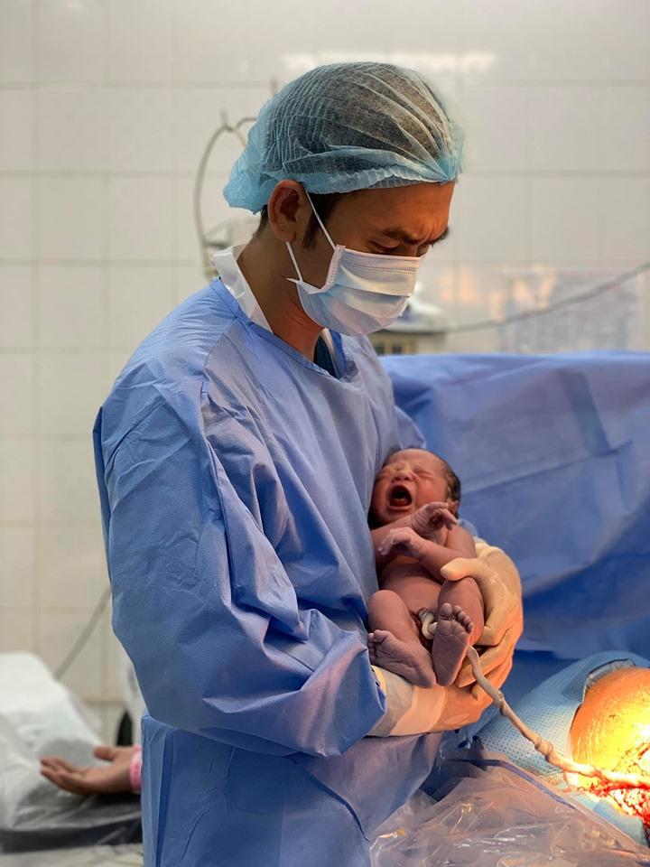 """Tâm sự rớt nước mắt của người mẹ U30 suy kiệt buồng trứng, phải """"xin trứng"""" của người khác để thụ thai - Ảnh 2"""