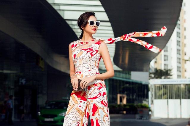 Hà Tăng, Tóc Tiên… cùng loạt sao Việt đọ 'độ chịu chơi' với mắt kính thời trang độc lạ - Ảnh 12