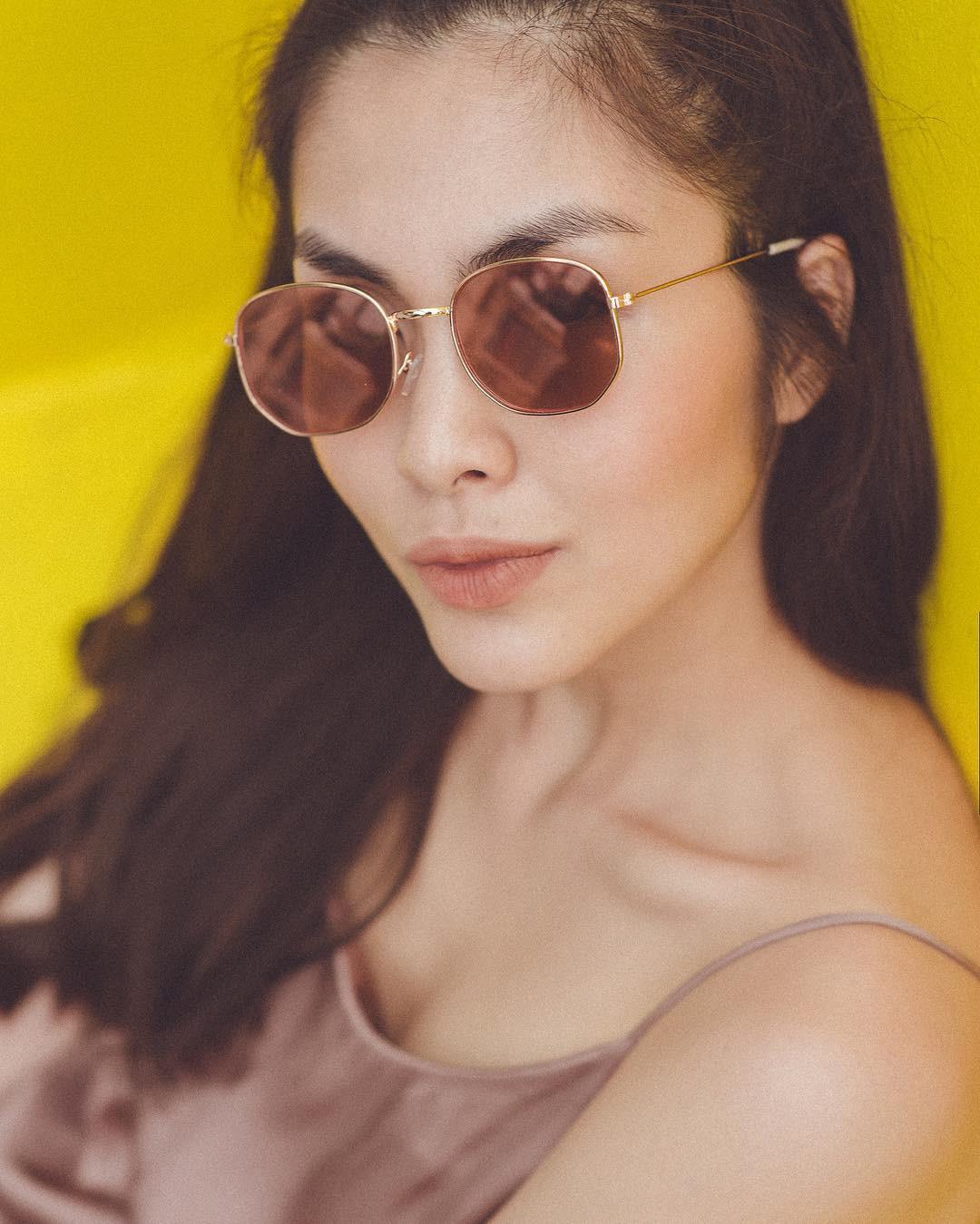 Hà Tăng, Tóc Tiên… cùng loạt sao Việt đọ 'độ chịu chơi' với mắt kính thời trang độc lạ - Ảnh 15