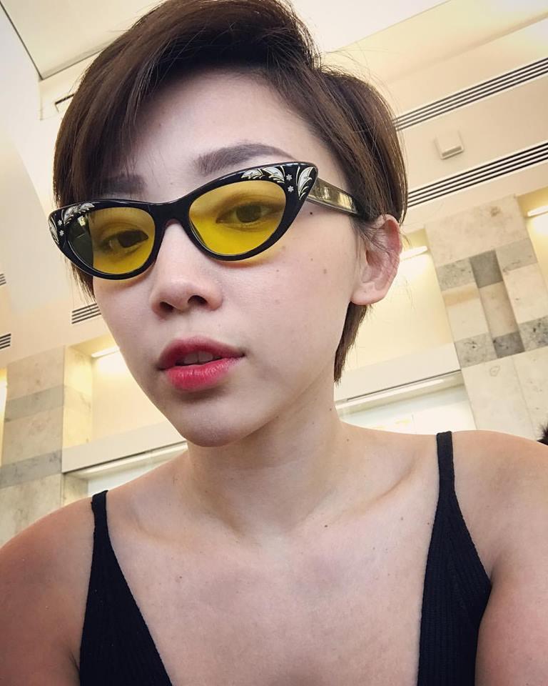 Hà Tăng, Tóc Tiên… cùng loạt sao Việt đọ 'độ chịu chơi' với mắt kính thời trang độc lạ - Ảnh 3