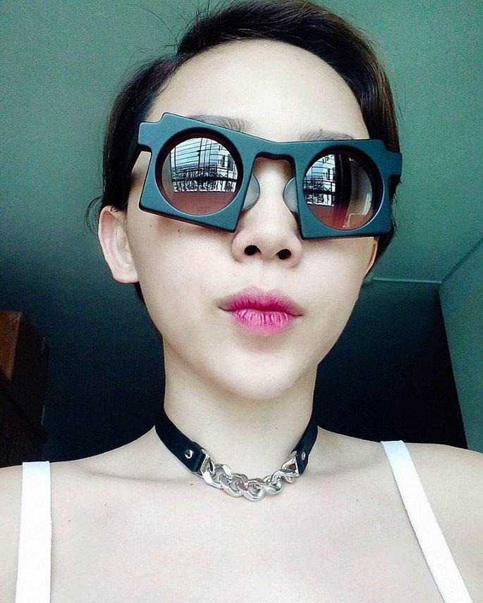 Hà Tăng, Tóc Tiên… cùng loạt sao Việt đọ 'độ chịu chơi' với mắt kính thời trang độc lạ - Ảnh 5