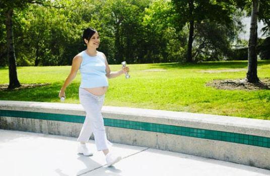 Thời điểm thích hợp bà bầu nên tập thể dục để tốt cho mẹ và bé - Ảnh 1