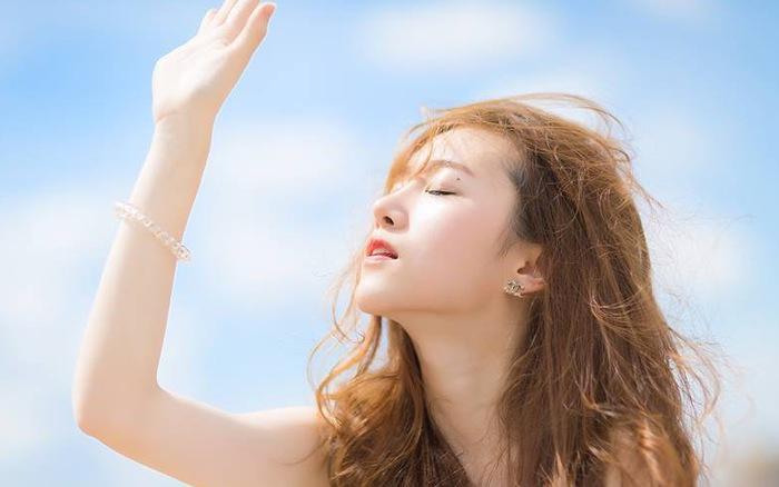 Cảnh báo: 8 nguyên nhân phổ biến hàng đầu gây lão hóa da ai cũng dễ mắc phải - Ảnh 1