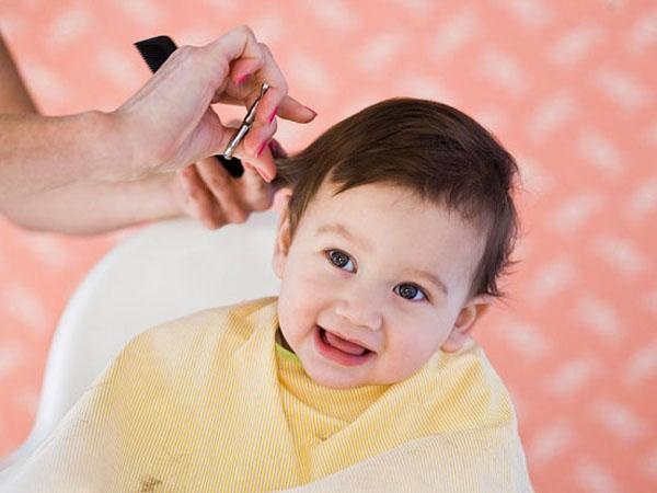 Có nên cắt tóc máu cho trẻ sơ sinh theo ý kiến chuyên gia - Ảnh 2