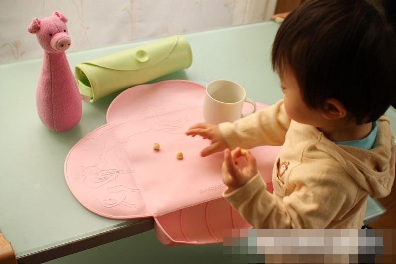 Điểm danh những đồ dùng cần thiết cho bé ăn dặm theo gợi ý của chuyên gia dinh dưỡng - Ảnh 2