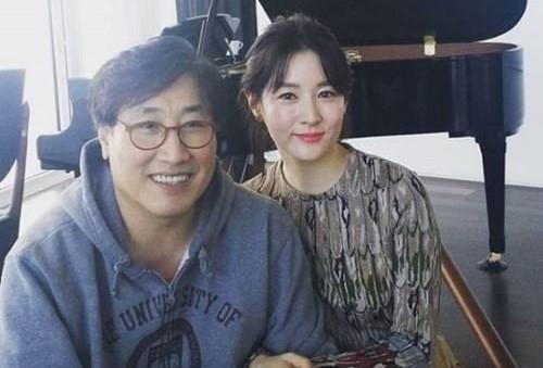 Lee Young Ae vướng ồn ào sau tiết lộ gia thế ông xã tuổi U70 - Ảnh 2