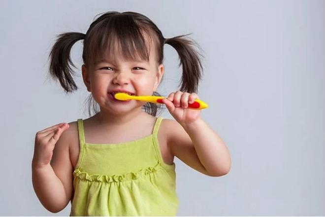 Phòng ngừa sâu răng cho trẻ, cha mẹ đừng bỏ qua những cách đơn giản của bác sĩ nha khoa - Ảnh 3