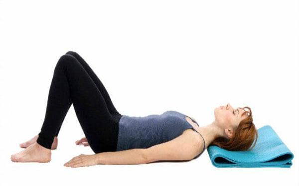 Tập siết chặt vùng cơ Kegel hàng ngày sẽ giúp vùng kín phụ nữ sau sinh se khít nhanh chóng