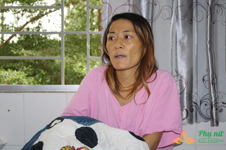Vụ chồng đưa bồ nhí về nhà, sản phụ cầm 30 ngàn nằm ngủ hành lang chờ sinh: 'Ra viện mẹ con em cũng không biết về đâu' - Ảnh 2