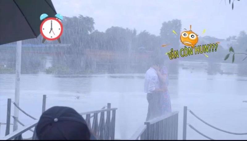 Hồ Ngọc Hà 'xấu hổ' chia sẻ hậu trường quay cảnh nóng với Kim Lý - Ảnh 3