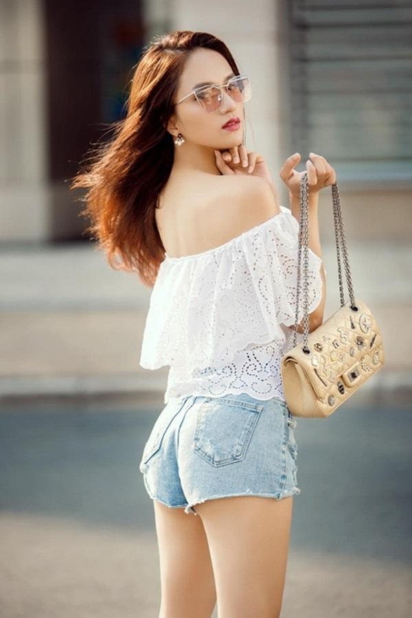 Hương Giang Idol và những lần khoe cơ thể sexy khiến phụ nữ đích thực cũng phải ghen tỵ - Ảnh 18