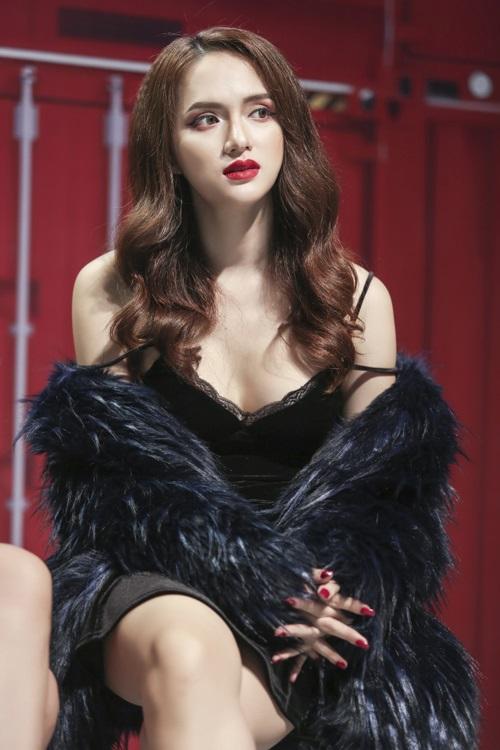 Hương Giang Idol tiết lộ gây gốc về chuyện giường chiếu: 'Giữa kích cỡ và kỹ năng, tôi chọn kích cỡ' - Ảnh 2