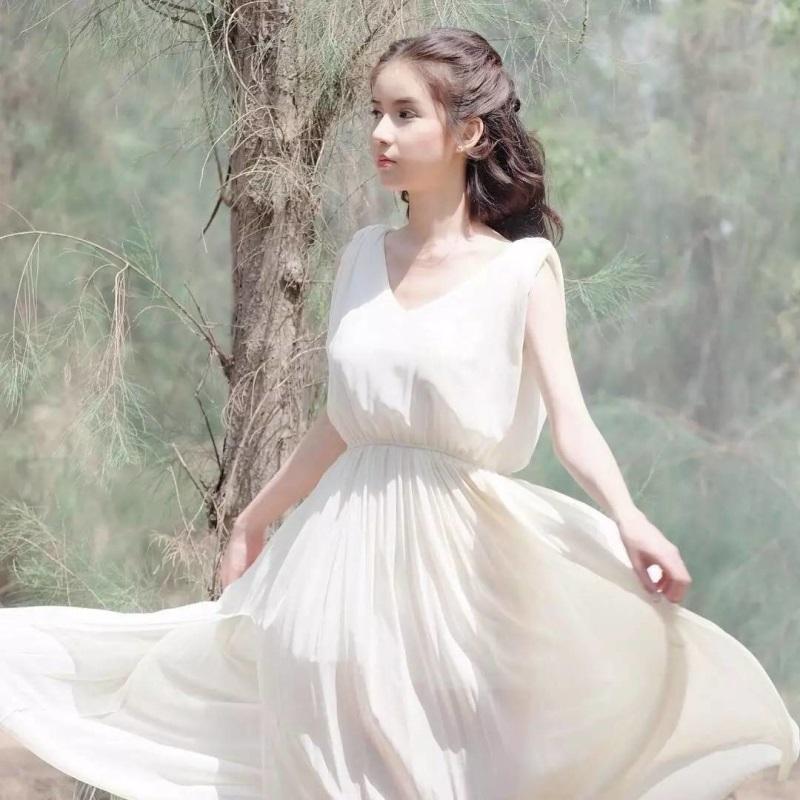 Nhan sắc 'tiên nữ'  của đối thủ Hương Giang Idol tại Hoa hậu chuyển giới - Ảnh 5