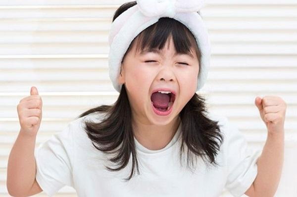 Nếu con bạn là đứa trẻ NGOAN Ở TRƯỜNG nhưng HƯ Ở NHÀ thì bố mẹ hãy vui lên, bởi vì... - Ảnh 4