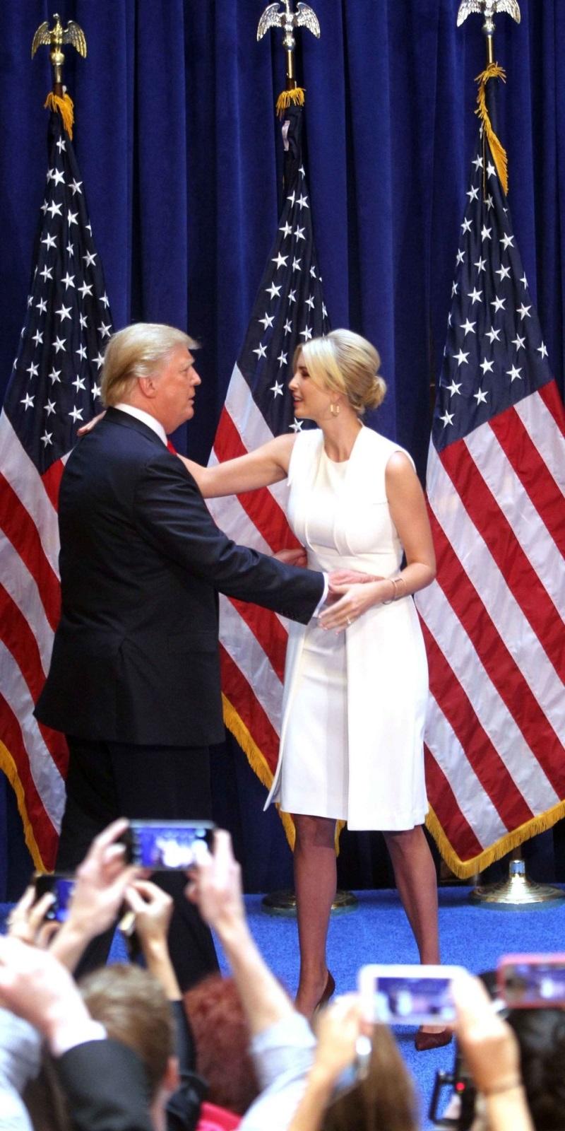 Ngẩn ngơ trước phong cách thời trang của ái nữ Tổng thống Mỹ - Ảnh 20