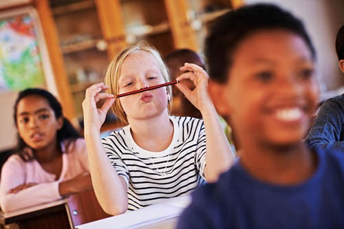 Trẻ bị rối loạn chú ý dễ nổi nóng, thiếu tập trung: Cha mẹ cần phải làm gì? - Ảnh 3