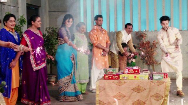 Khám phá các lễ hội lớn của Ấn Độ trong 'Âm mưu và tình yêu' - Ảnh 1