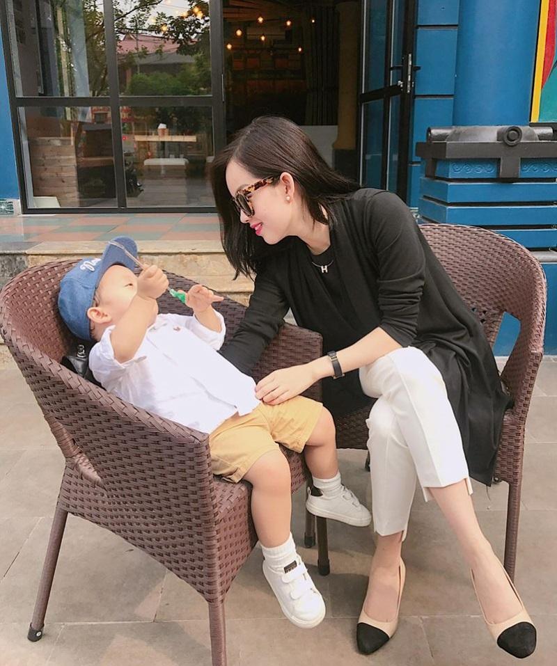 Lúc nhỏ dễ thương và giống bố, vẻ ngoài hiện tại của con trai Khánh Ly - Mạc Hồng Quân khiến nhiều người ngỡ ngàng - Ảnh 8