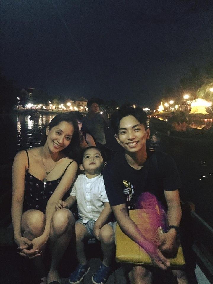 Bà mẹ 1 con Khánh Thi diện bikini khoe 3 vòng gợi cảm bên chồng trẻ Phan Hiển - Ảnh 5