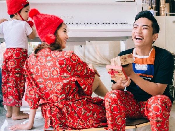 Xuýt xoa bộ ảnh Khánh Thi - Phan Hiển ấm áp, ngọt ngào bên con trai đón Giáng sinh sớm - Ảnh 5