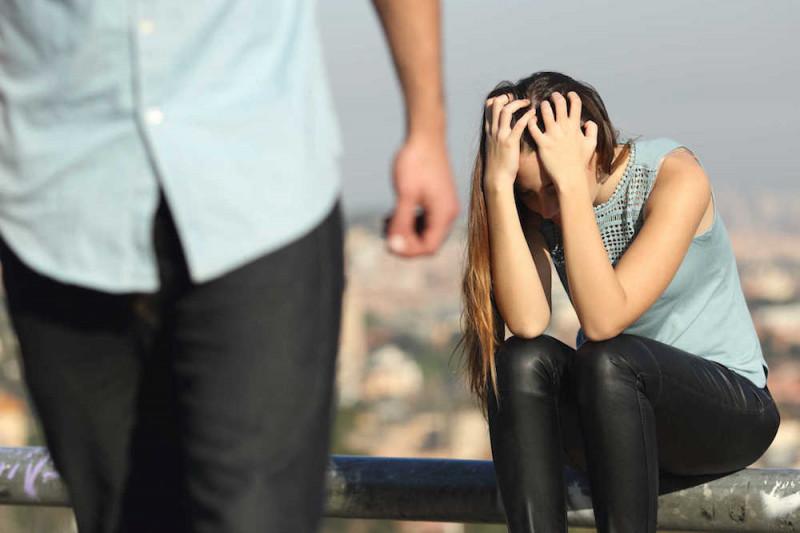 Vợ bầu, bố ốm vẫn ngang nhiên bỏ đi với bồ - Ảnh 1