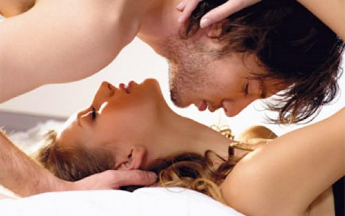 Giữa cuộc 'yêu' chồng bỗng gọi tên phụ nữ khác - Ảnh 2