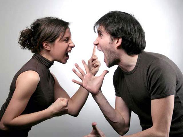 Đàn bà khôn khi cãi vã không bao giờ làm 5 điều này - Ảnh 1