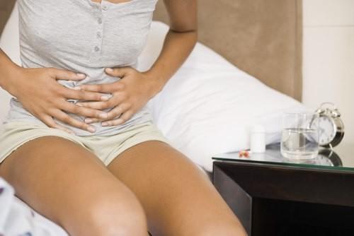 Bầm tím cổ tử cung: Chấn thương hầu hết chị em đều mắc khi làm 'chuyện ấy' mà không hay biết - Ảnh 2