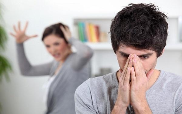 Đêm tân hôn của tôi nhưng vợ cũ của chồng lại say rượu đến mức không biết trời đất - Ảnh 1