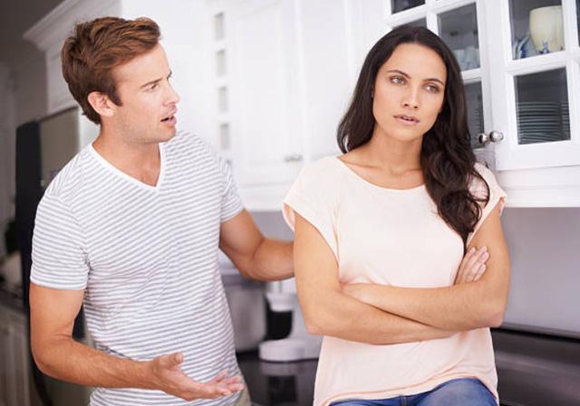 Vợ không chịu theo tôi về quê phụng dưỡng mẹ chồng - Ảnh 1