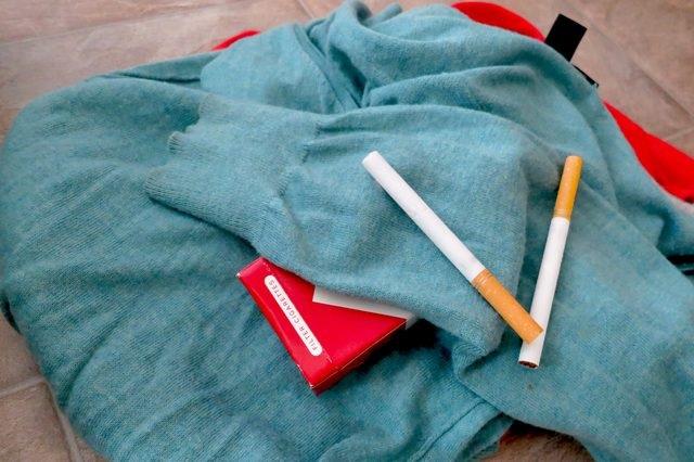 Áp dụng ngay mẹo vặt gia đình giúp khử mùi thuốc lá trên quần áo nhanh chóng