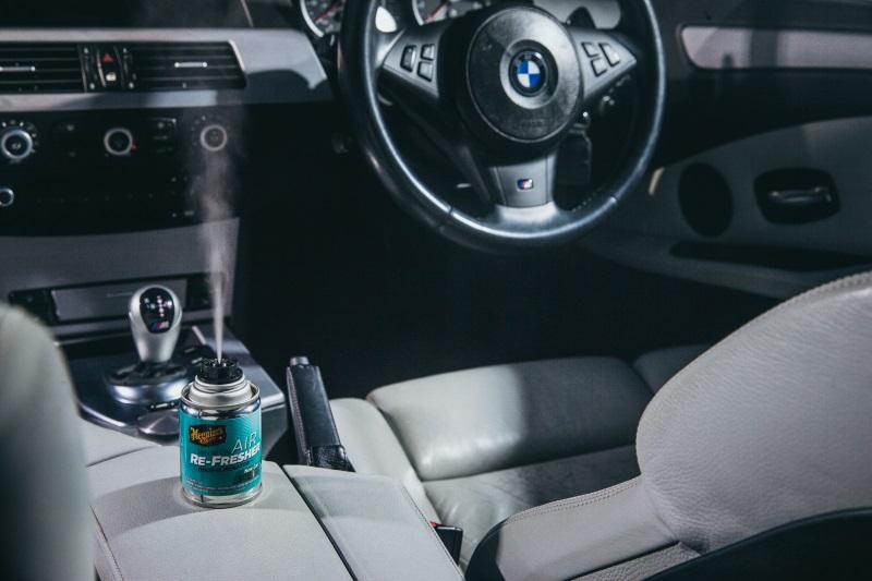 Xịt khử mùi giúp làm hết mùi thuốc lá trong xe ô tô hữu hiệu