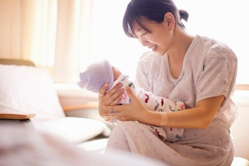 5 kiêng cữ sau sinh mẹ phải thuộc lòng, theo lời khuyên của bác sĩ - Ảnh 1