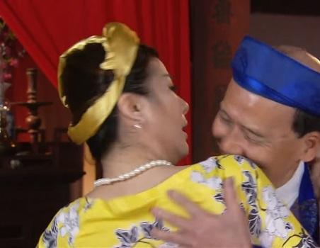 Trước khi bị vợ Xuân Bắc tố ve vãn chồng, Kim Oanh từng bị 'ném đá' vì 'làm chuyện tục tĩu' ở chốn linh thiêng như thế này đây - Ảnh 5