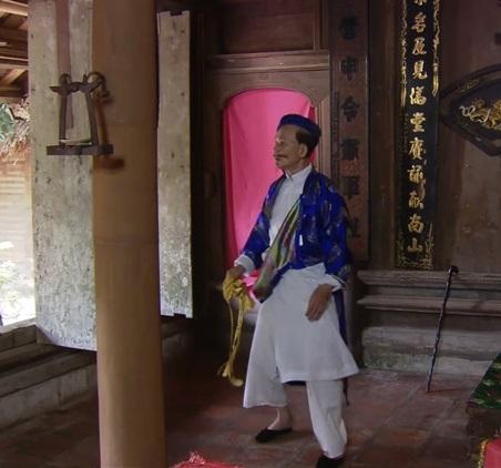 Trước khi bị vợ Xuân Bắc tố ve vãn chồng, Kim Oanh từng bị 'ném đá' vì 'làm chuyện tục tĩu' ở chốn linh thiêng như thế này đây - Ảnh 6