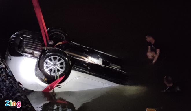 Vụ ôtô lao xuống biển: Lái xe có nồng độ cồn trong máu - Ảnh 1