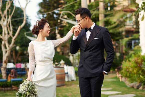 MC Đức Bảo khoe ảnh cưới và hé lộ cơ duyên yêu nhau với vợ - Ảnh 8
