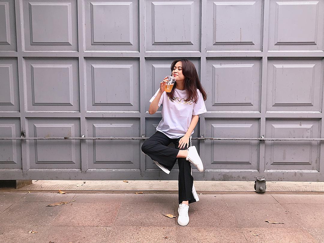 Hoa hậu Mai Phương Thúy mặc váy 2 dây khoe ngực đầy - Ảnh 9