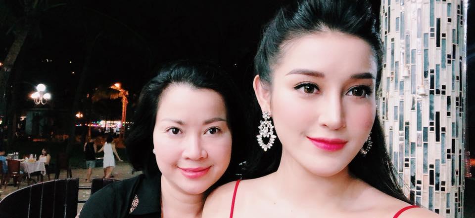 Hoa hậu Mai Phương Thúy mặc váy 2 dây khoe ngực đầy - Ảnh 10