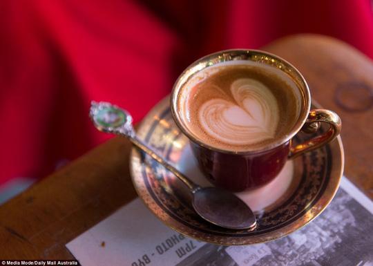 Mẹ bầu dùng caffeine: ảnh hưởng con nhiều năm sau - Ảnh 1