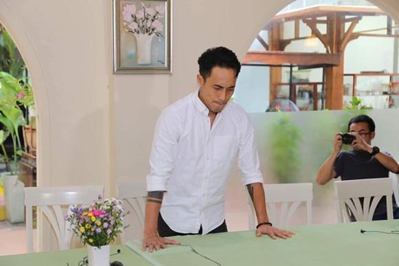 Phạm Anh Khoa mở họp báo cúi đầu nhận sai, sao Việt bắt đầu có thái độ mới - Ảnh 1