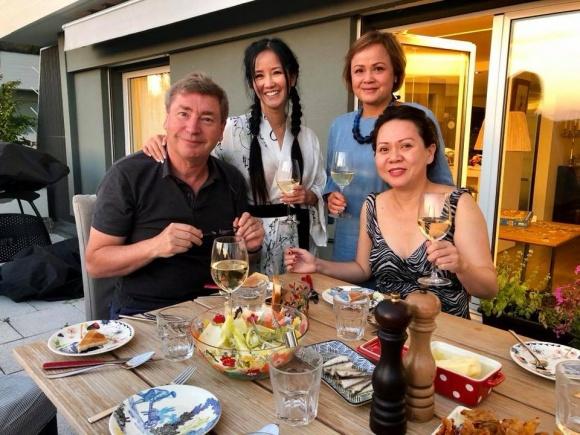 Hậu ly hôn, Hồng Nhung vui vẻ đưa hai con đi du lịch Thụy Sĩ - Ảnh 2