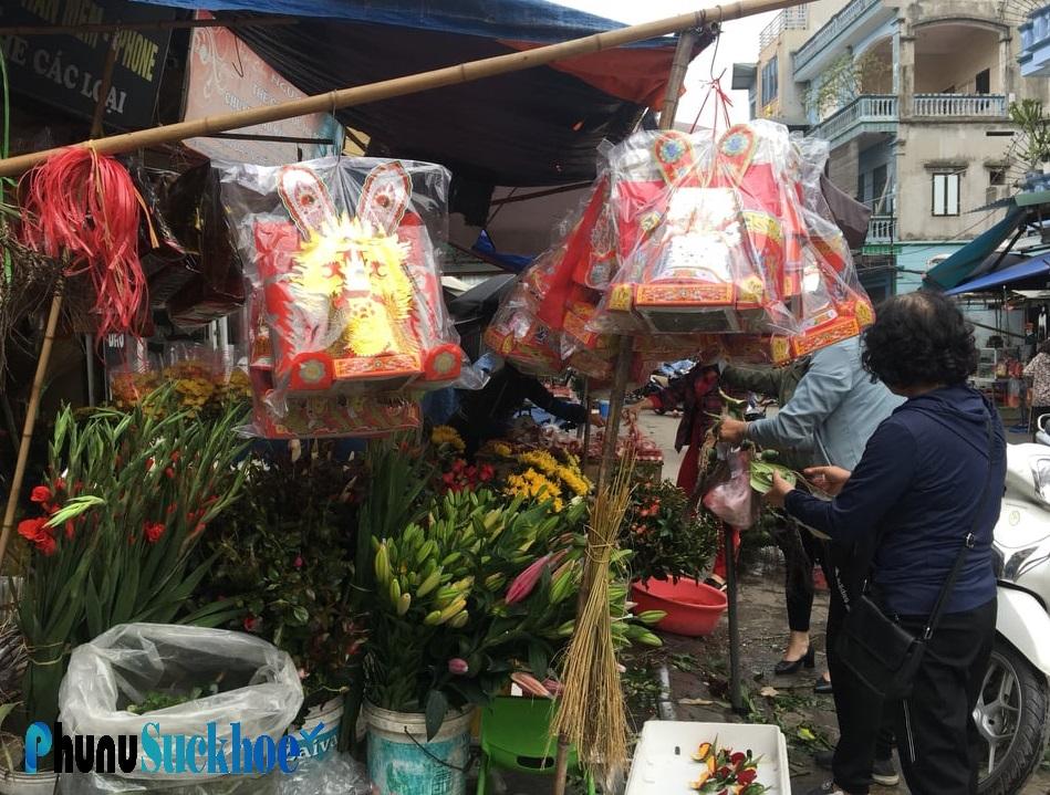 Bà nội trợ Hà thành cúng Tết ông Công ông Táo: Đi chợ từ 6h sáng, chi 500.000 đồng sắm trọn lễ vật tiễn Táo về trời - Ảnh 1