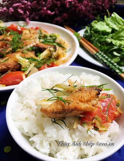 Lạ miệng với cá chiên xào dưa bắp cải chua - Ảnh 3