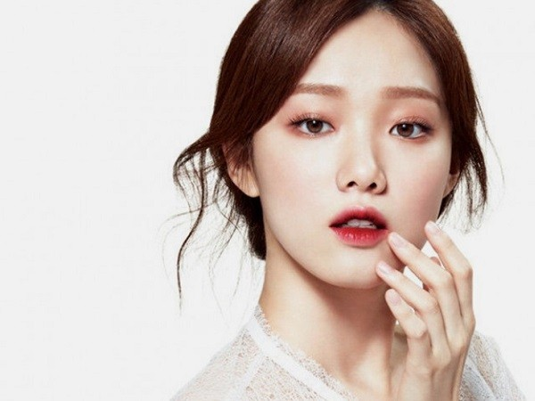Những kiểu makeup đang được phụ nữ Việt 'mê tít' vào hè này - Ảnh 3
