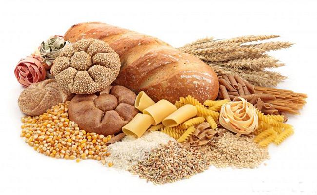 Những loại đồ ăn khiến mụn mọc nhiều thêm - Ảnh 2
