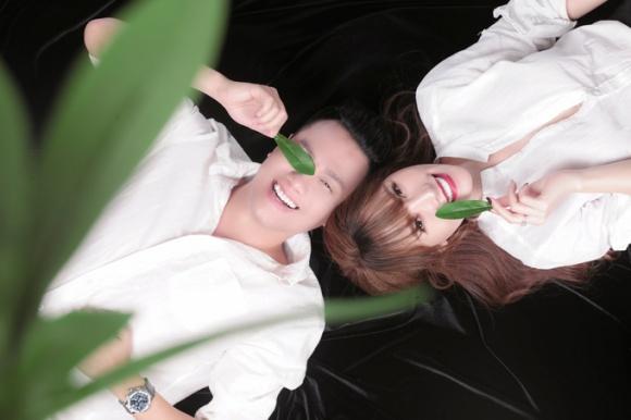 Ngắm trọn bộ ảnh của Quế Vân và Việt Anh, tình tứ thế này bảo sao bà xã Trần Hương không ghen - Ảnh 1