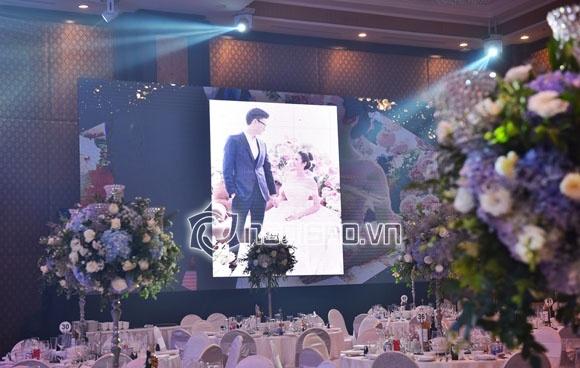 Cập nhật đám cưới Á hậu Tú Anh: Cô dâu xuất hiện xinh đẹp giữa không gian tiệc hoành tráng - Ảnh 12