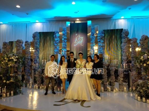 Cập nhật đám cưới Á hậu Tú Anh: Cô dâu xuất hiện xinh đẹp giữa không gian tiệc hoành tráng - Ảnh 1