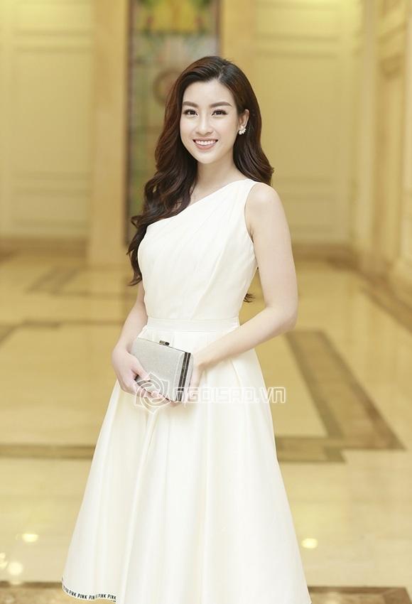 Cập nhật đám cưới Á hậu Tú Anh: Cô dâu xuất hiện xinh đẹp giữa không gian tiệc hoành tráng - Ảnh 8
